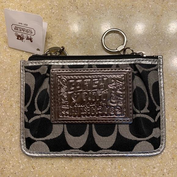 ec016a23 NWT Coach Poppy credit card wallet NWT